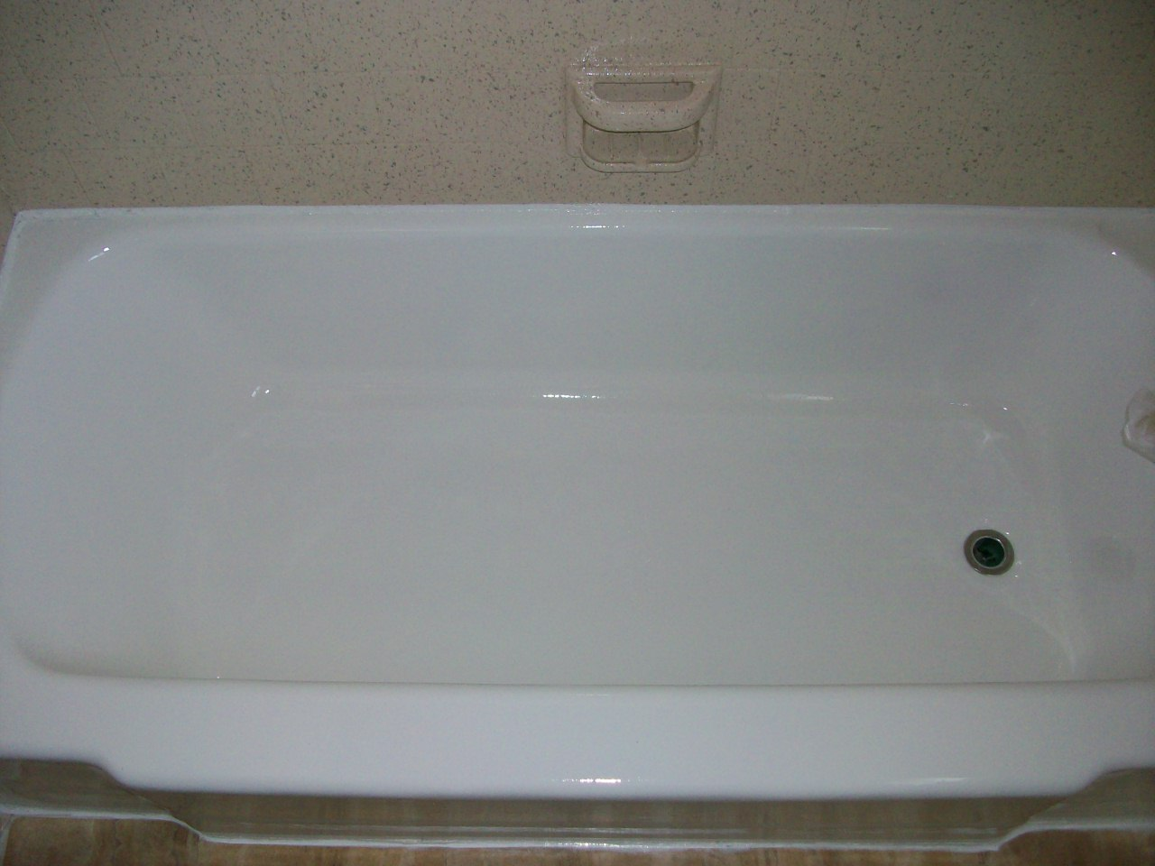 Porcelain tub (after, high gloss white)